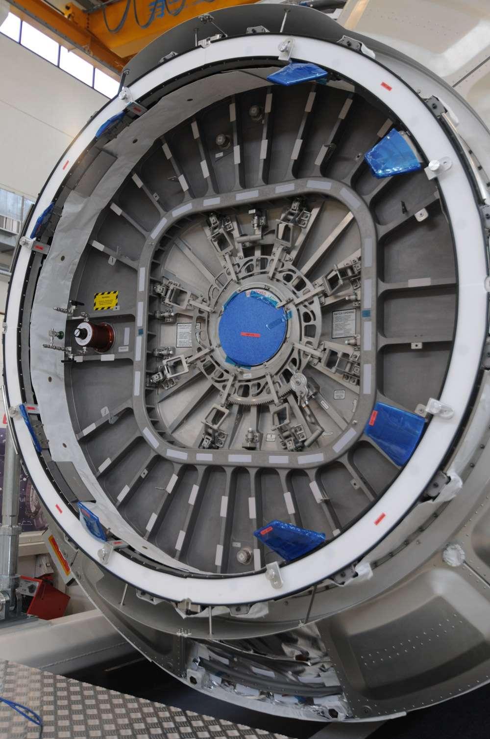 Sas d'entrée du module pressurisé, construit par Thales Alenia Space, du cargo Cygnus. © Rémy Decourt, Futura-Sciences