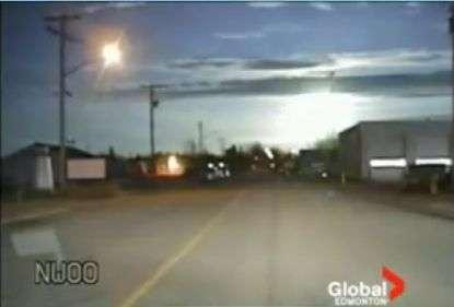 La météorite en plein ciel. Crédit Global Edmonton TV
