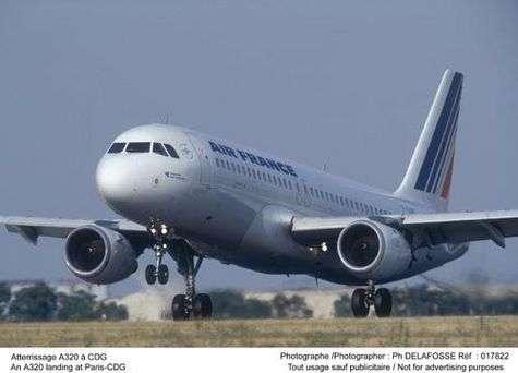 A320 à l'atterrissage à l'aéroport de Paris-Charles-de-Gaulle. Crédit : Air France - Ch. Delafosse.