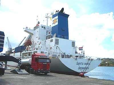 Le Santa Maria, un transporteur de bananes devenu assistant océanographe. © The Geest Line