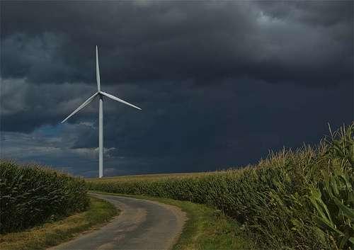La durée de vie d'une éolienne varie entre 20 et 30 ans. Le démantèlement des machines permet de restaurer intégralement l'aspect paysager initial des milieux. © FredArt CC by-nc-nd 2.0