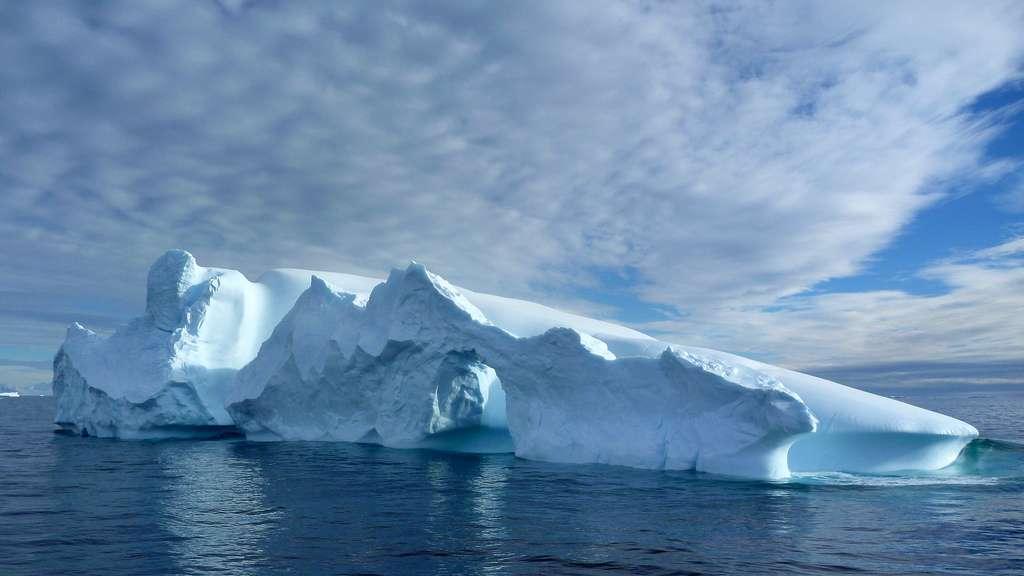 Près de 30 millions de km3 de glace recouvrent l'Antarctique. Ce chiffre représente 2,1 % de l'eau présente sur notre planète. © benontherun.com, Flickr, cc by nc sa 2.0