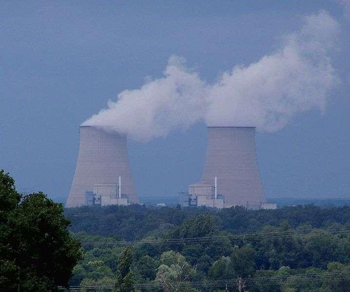 Les centrales nucléaires peuvent être un risque d'irradiation pour la population. © LeMorvandiau, Wikimedia, CC by-sa 3.0