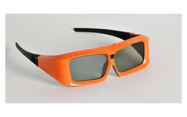 Les lunettes à obturation X103 reconnaissent les protocoles de communication 3D des grandes marques de téléviseurs mais le fabricant ne garantit pas une compatibilité à 100 % avec tous les téléviseurs. © Xpand