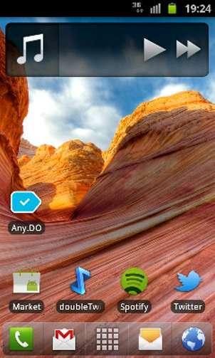 Chaque launcher de smartphone dispose d'animations et de widgets personnalisés. De même, certaines fonctions comme la désinstallation d'application par glisser-déposer sont uniques à certains. © Guénaël Pépin