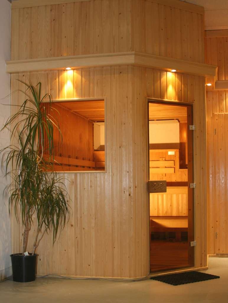 Un sauna d'intérieur peut se construire en prenant comme base un ou deux murs déjà existants. © PeterJBellis, CC BY 2.0, Flickr