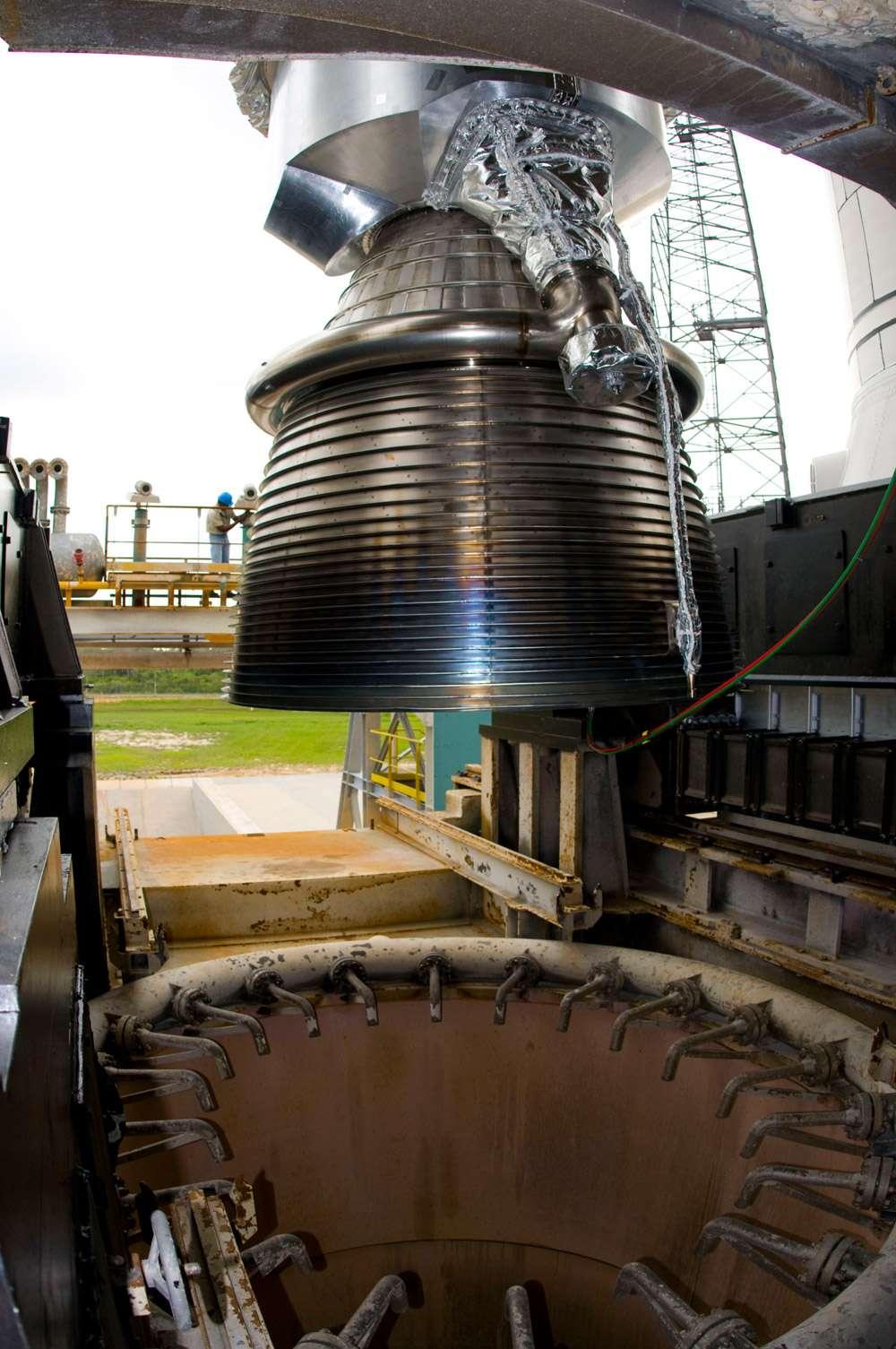 L'idée d'allumer le moteur quelques secondes avant le décollage du lanceur est un des héritages du temps où Ariane 5 était destinée à faire du vol habité en lançant l'avion spatial Hermes. © Esa/S. Corvaja