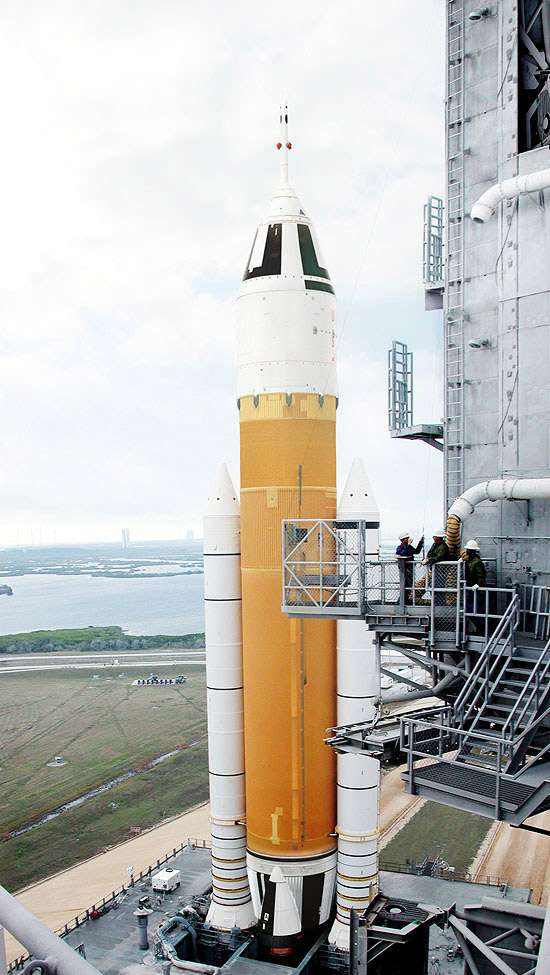 Une des alternatives proposées à la Nasa pour remplacer les lanceurs Ares I & V du programme Constellation, aujourd'hui abandonné. Crédit Direct Launcher team