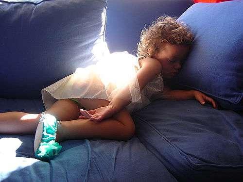 L'aptitude à bien dormir semble s'apprendre très tôt... © max_thinks_sees / Flickr - Licence Creative Common (by-nc-sa 2.0)