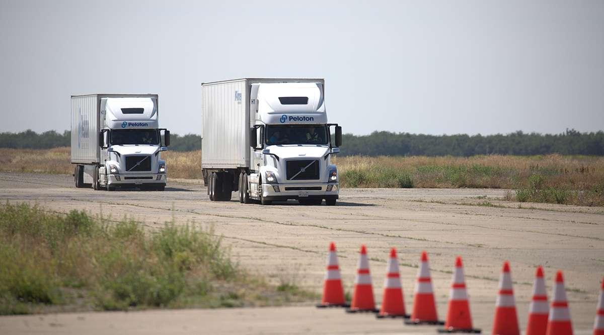 Le système mis au point par la startup Peloton permet à un seul chauffeur de conduire deux camions à la fois. © Peloton