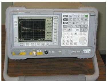 Analyseur de spectre Agilent E 4407 B utilisé lors de l'étude. Crédit Supelec.