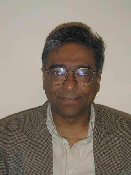 L'un des créateurs de la gravitation quantique à boucles, le physicien théoricien Abhay Ashtekar. © Kavli Institute