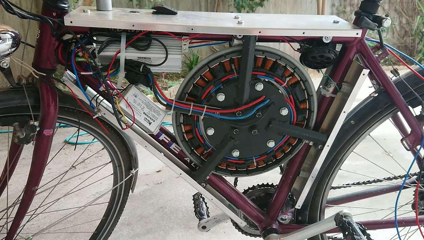 Le vélo électrique en mode DIY avec son moteur de machine à laver. © Jimminecraftguy