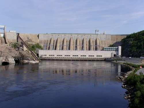 Les barrages hydroélectriques permettent de stocker et de contrôler avec précision cette forme d'énergie renouvelable. © Vieux bandit CC by 2.0