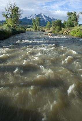 Selon une étude américaine, les taux d'azote et de carbone dans les sols, rivières et mers sont étroitement liés. Cette découverte pourrait aider à mieux gérer les pollutions par les nitrates et les problèmes sanitaires qui en découlent. © Casey A. Cass / Université du Colorado