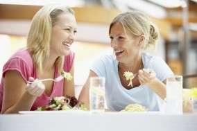 Nous consommons actuellement trop de sel et pas assez de potassium. Nos habitudes alimentaires sont-elles à revoir ? © Destination Santé