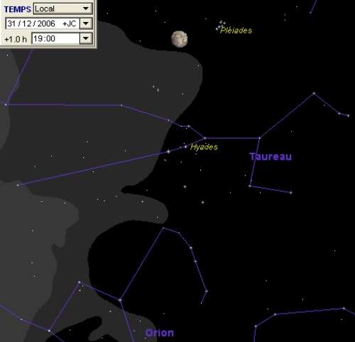 La Lune est conjonction avec les Pléiades (M45)