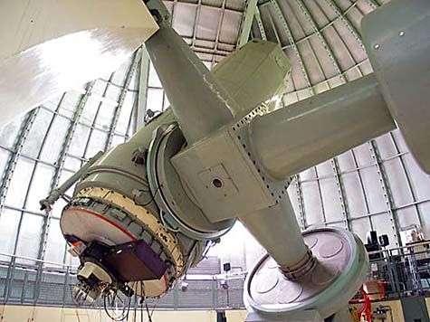 Le télescope de 193 cm de l'Observatoire de Haute-Provence. Crédit IAP