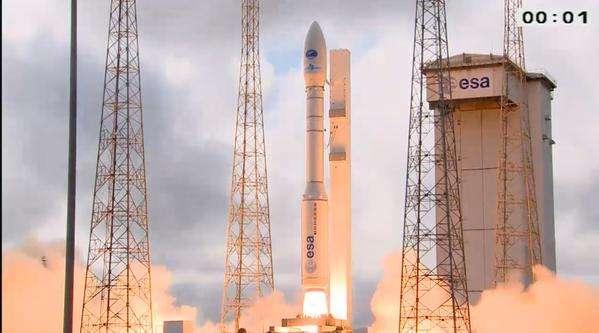 Le décollage du vol VV04 le 11 février 2015, au Centre spatial guyanais. Le lanceur Vega emporte le démonstrateur IXV. Lancement et mission réussis. © Esa