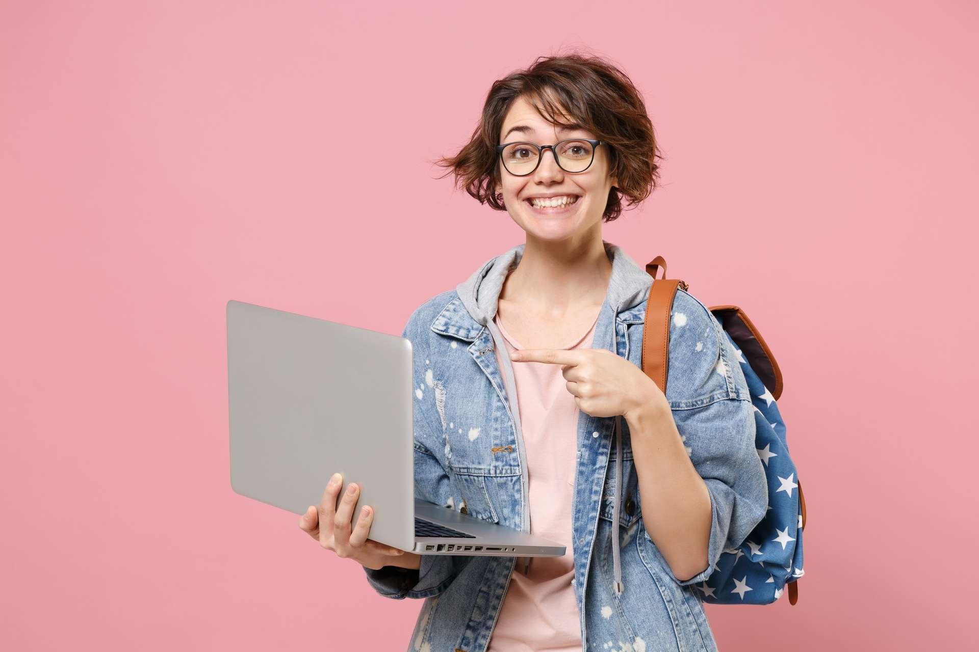 L'Étudiant coorganise pas moins de 17 salons virtuels cette année. © ViDi Studio, Adobe Stock