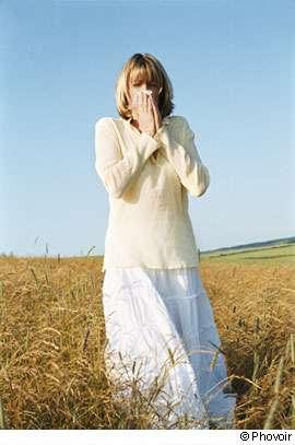 La rhinite allergique peut commencer en janvier et perdurer jusqu'en été. © Phovoir