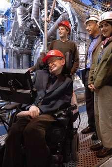 Stephen Hawking lors de sa visite de l'expérience ATLAS.