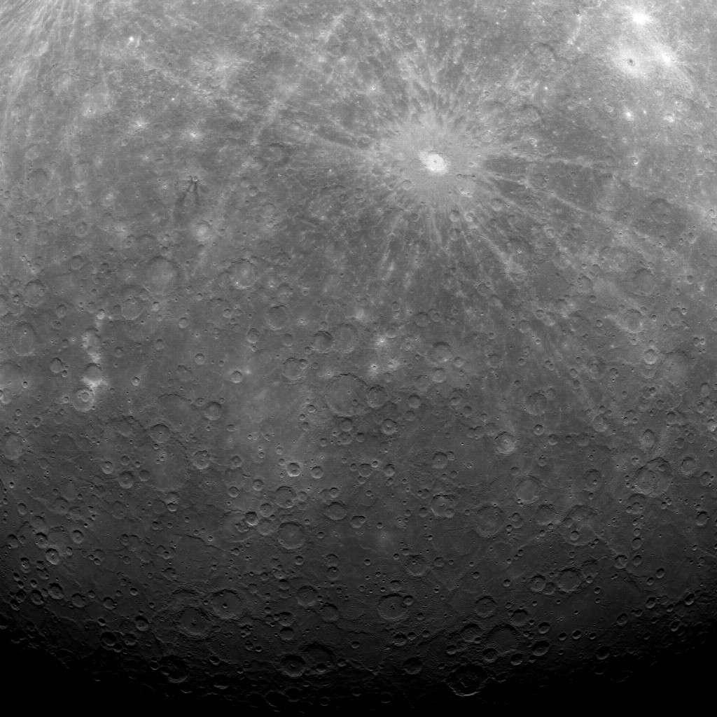 Image inédite d'une partie du pôle sud de Mercure réalisée par la sonde Messenger depuis son orbite. © Nasa/Johns Hopkins University Applied Physics Laboratory/Carnegie Institution of Washington