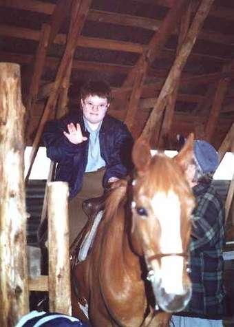 Autiste sur un cheval (crédit : www.quebecweb.com)