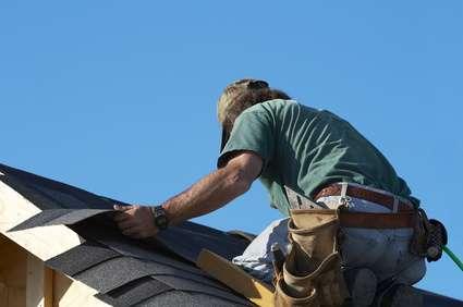 Travail sur le toit. © Glen Jones