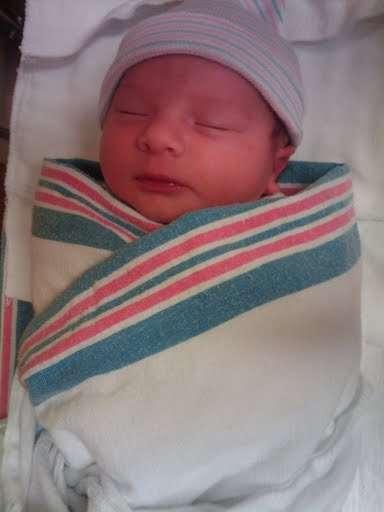 Bébé vient de naître © David 23