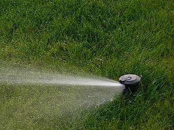 L'arrosage automatique permet de réguler sa consommation d'eau. © J&L paysage