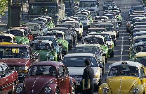 Les embouteillages sont l'une des conséquences de la migration pendulaire entre zones d'activité et zones d'habitations. © Curt Carnemark / Banque Mondiale