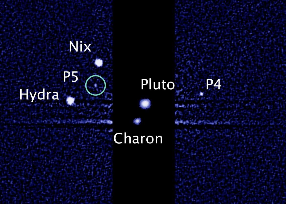Les internautes sont invités à choisir un nom à P4 et P5, les derniers satellites découverts autour de la lointaine planète naine Pluton. © Nasa, Esa, M. Showalter, Seti Institute