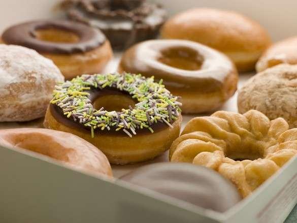 Manger trop de gâteaux augmente le risque de développer une dépression, d'après une étude menée sur des femmes de plus de 50 ans. © Phovoir