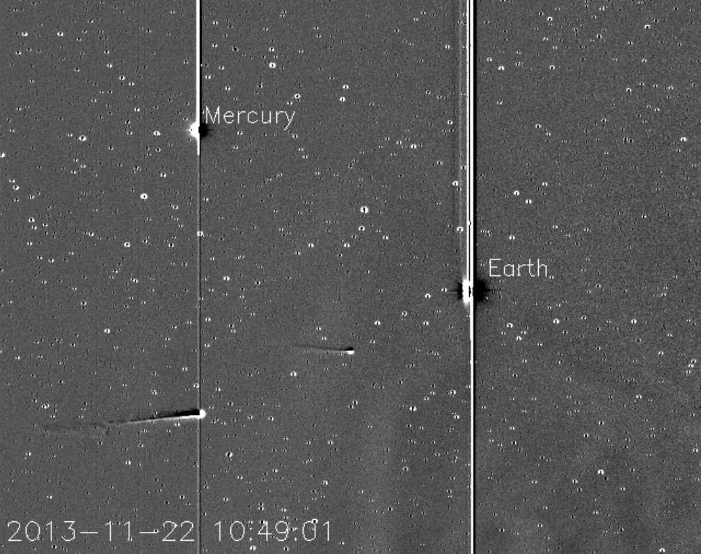 La comète Ison, en compagnie de la comète Encke, photographiée par le satellite Stereo A le 22 novembre. © Karl Battams, NRL, Nasa, Stereo, CIOC