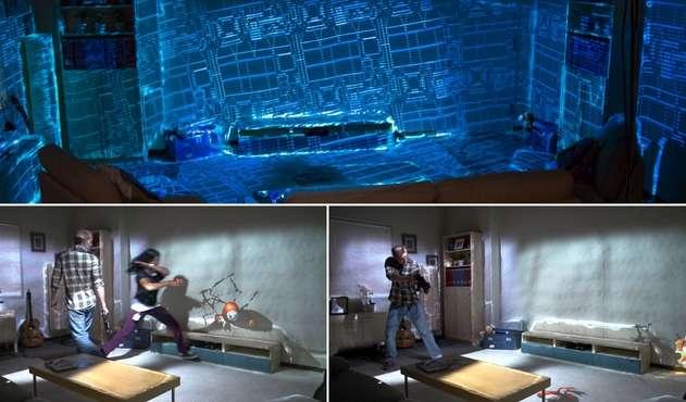 Avec RoomAlive, Microsoft Research a poussé plus loin le principe d'immersion ébauché par son prototype IllumiRoom. Cette fois, un ensemble de capteurs Kinect et de vidéoprojecteurs couvrent une pièce par un jeu vidéo en offrant aux joueurs la possibilité d'interagir avec les contenus. © Microsoft Research
