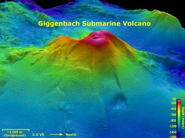 Le Giggenbach est lui aussi un volcan sous-marin très étudié. Sur l'image, la profondeur est figurée par un dégradé de couleurs comme l'indique la légende en bas à droite. © NOAA/National Science Foundation