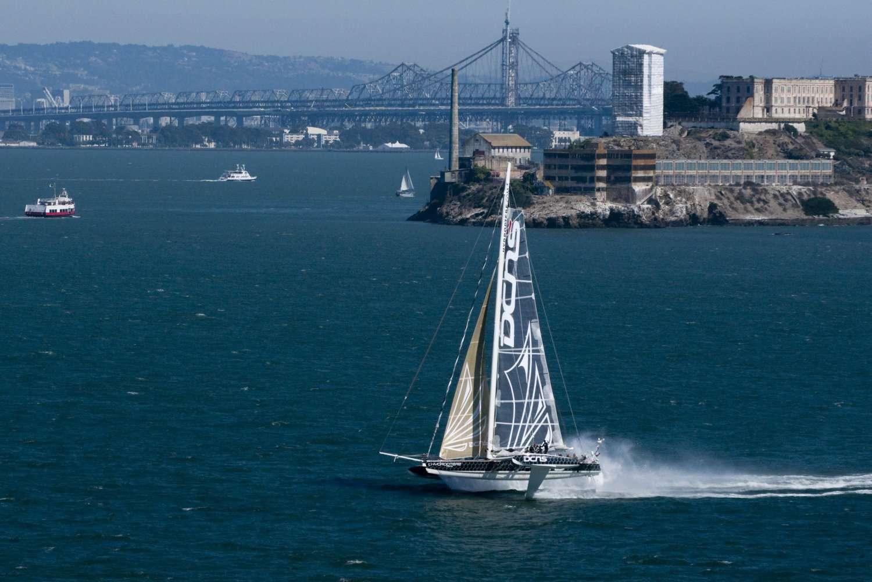 L'Hydroptere DCNS participait à la régate du St Francis Yacht Club, dans la baie de San Francisco. La course était aussi un entraînement avant la traversée entre Los Angeles et Honolulu. © Érik Simonson