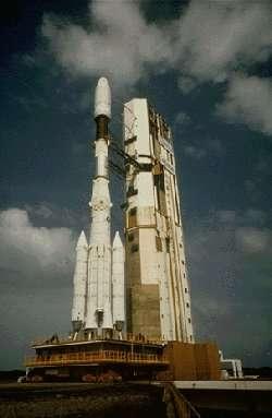 Une Ariane 4 sur en attente de lancementCrédit : www.raumfahrt-info.de
