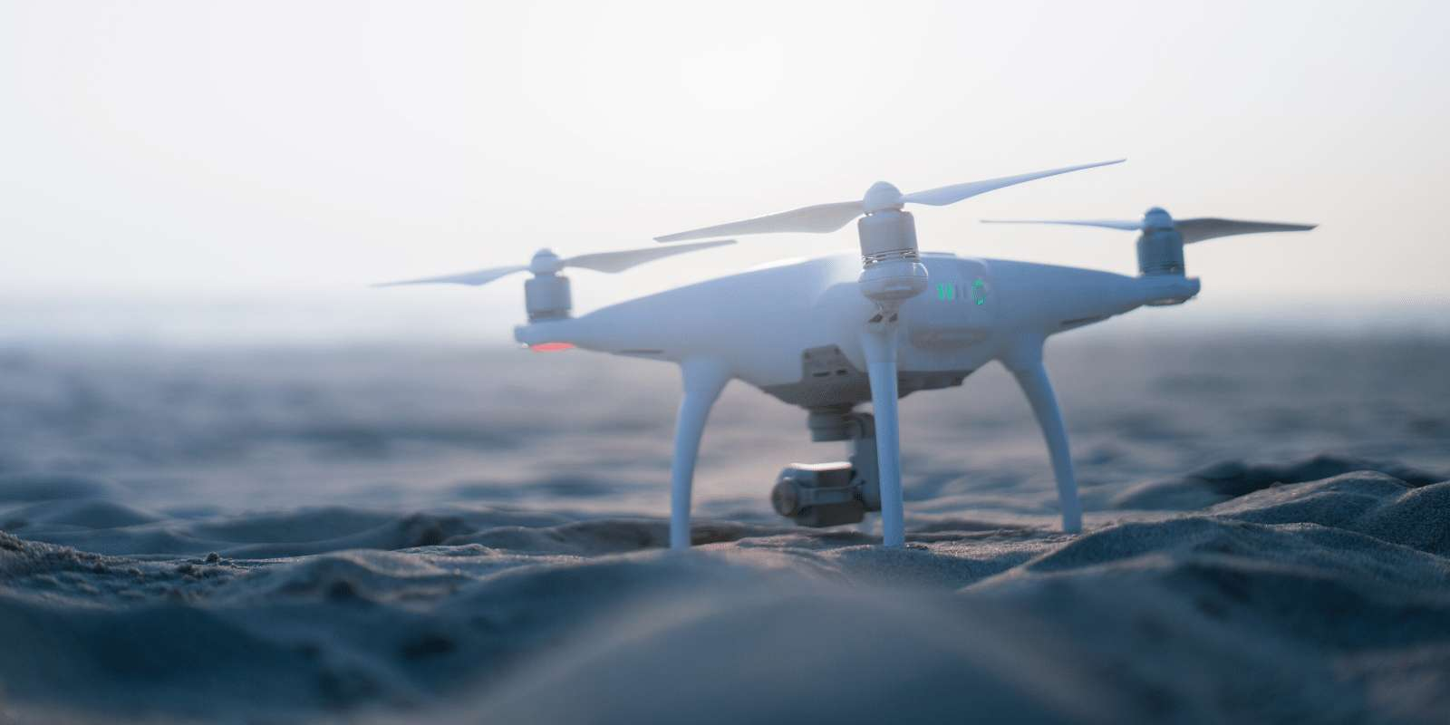 Leader mondial dans la fabrication de caméras-drones et également connu pour ses caméras d'action, DJI participera aussi au Black Friday et au Cyber Monday, du 29 novembre au 2 décembre. ©Unsplash