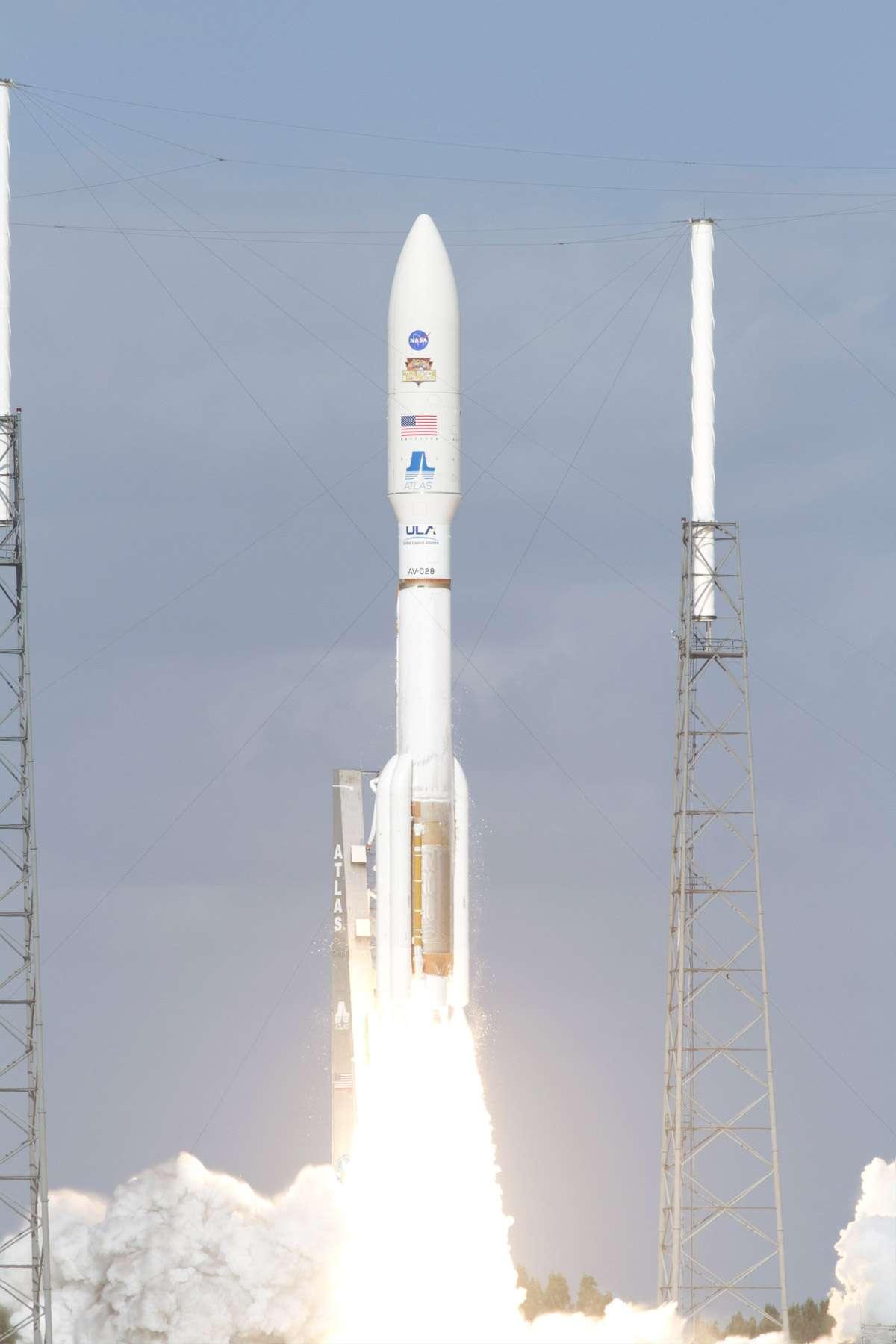 La mission Mars Science Laboratory est en route pour Mars. Elle a décollé sans coup férir de Cap Canaveral, lancée par une Atlas 5, samedi à 16 h 02, heure française. © Nasa/Frankie Martin