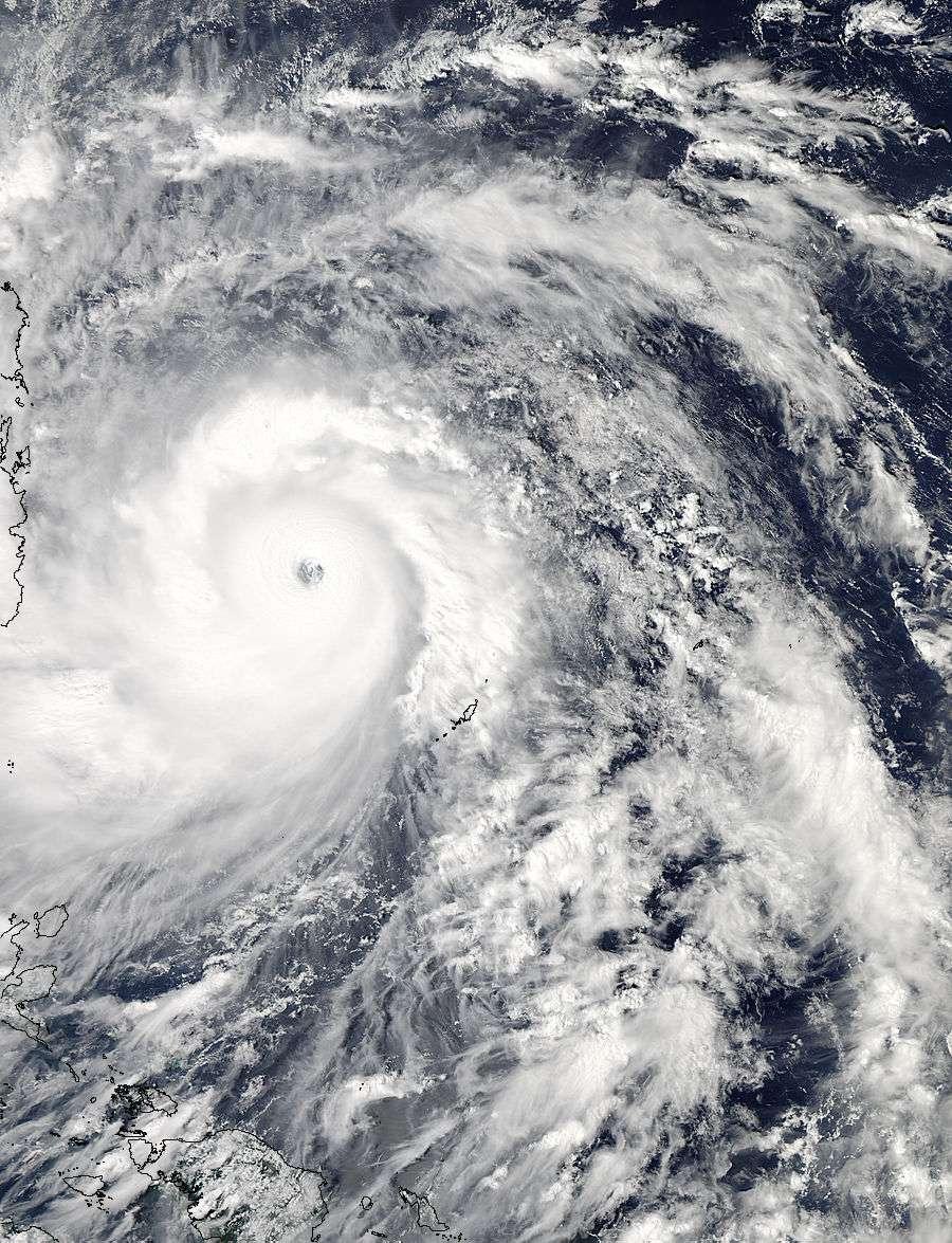 Modis, à bord du satellite Aqua, de la Nasa, a pris cette image le 7 novembre 2013, à 4 h 25 TU. On observe le supertyphon Haiyan, sur l'archipel des Philippines. Cette dépression tropicale a fait plus de 7.000 victimes. © Nasa