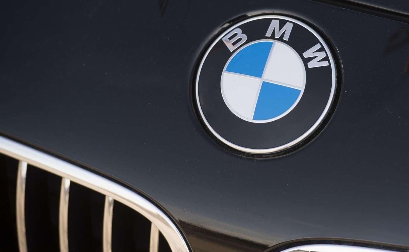 BMW fait partie des grands constructeurs ayant déjà bien engagé le virage de la motorisation électrique. © AFP Photo / Saul Loeb