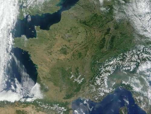 France vue de l'espace - image MODIS © Jacques Descloitres, MODIS Land Rapid Response Team, http://visibleearth.nasa.gov