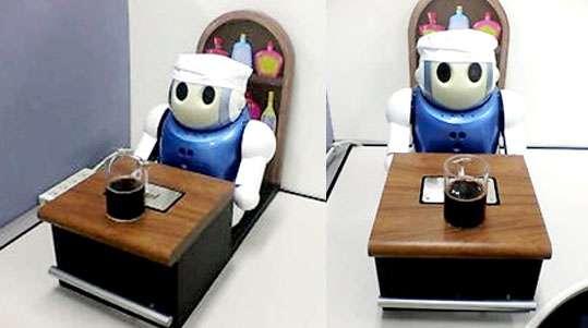 Le robot-sommelier de Nec. Anthropoïde en apparence mais très différent de la manière dont un humain procède... © Nec