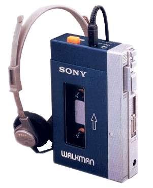 Le Walkman, c'est un peu comme un iPod, en plus gros et avec une heure et demie de musique à bord (les bandes des cassettes C120, enregistrant deux heures, s'emmêlent trop facilement). © DR