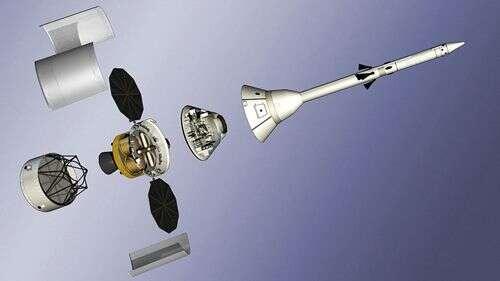 Véhicule Orion complet, dans sa version 606. La tour de sauvetage est bien visible. Crédit Nasa