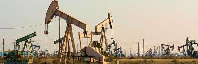 Les rendements de l'exploitation pétrolière de Lost Hills continuent à s'accroître, contrairement à ceux des autres champs de pétrole de Californie, grâce à l'EOR. © Richard Masoner CC by-sa 2.0