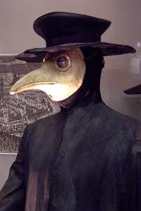 Les médecins se protégeaient contre la peste en portant des masques. © Juan Antonio Ruiz Rivas, Wikimedia, CC by-sa 3.0