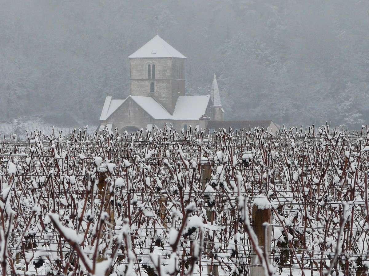 L'hiver sur l'église Saint-Symphorien à Nuits-Saint-Georges (21). © J.-B. Feldmann (http://montreurdimages.blogspot.com/)